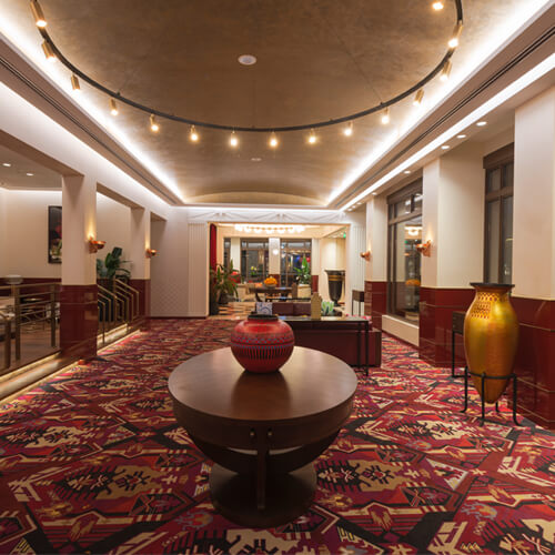 Value Retail Shanghai Client Service 唯泰集团上海奕欧来名品购物村客户中心